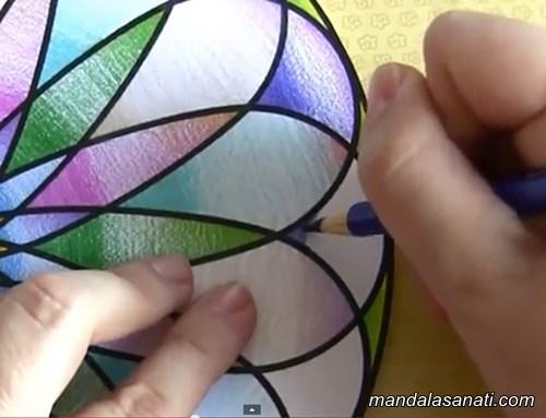 Kuru kalem ile mandala boyama