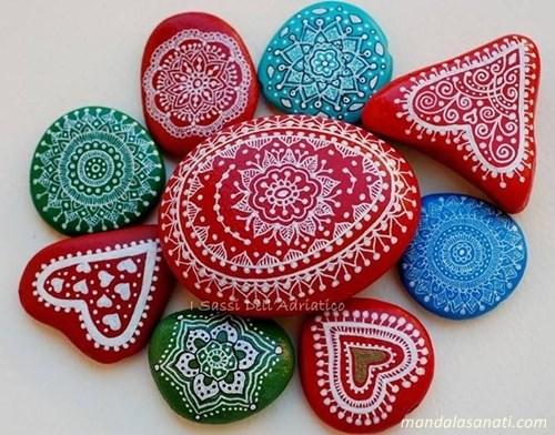 mandala taş boyama sanatı
