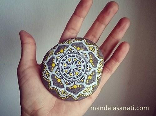 mandala taş boyama örnekleri