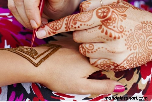 Hint kınası ile dövme malzemeleri