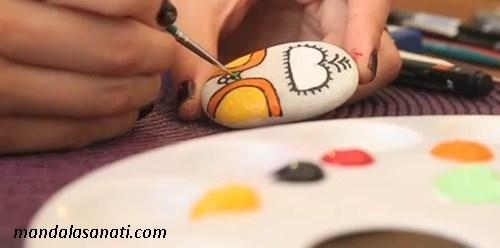 taş boyama baykuş
