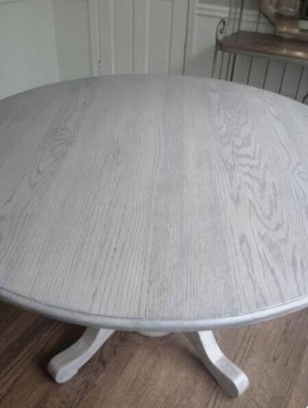 Ahşap masayı beyaza boyama