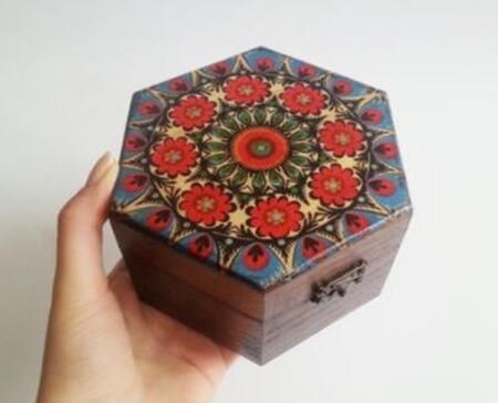 Altıgen ahşap kutu boyama